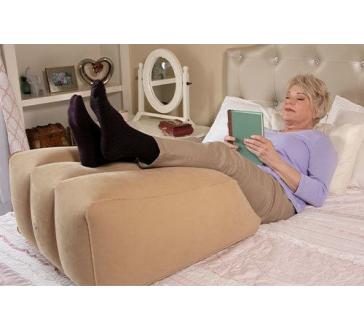 Nafukovací polštář na podporu nohou Ramp Pillow